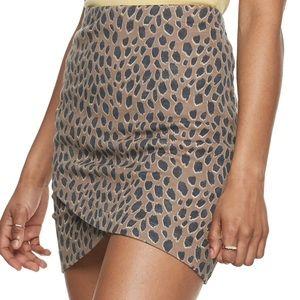 SO Leopard Print Pencil Skirt